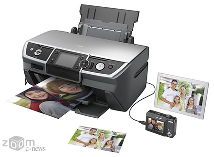 Epson Stylus Photo R390 можно использовать в качестве автономного фотоцентра: благодаря наличию экрана и кардридера можно просматривать, редактировать и печатать фотографии без компьютера