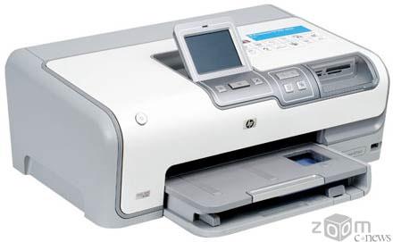 Модель HP Photosmart D7363 имеет сенсорный ЖК-дисплей с большой диагональю – 8,6 см (3,4 дюйма). Остальные параметры практически те же, что и у Photosmart D7163