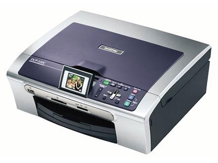Brother DCP-330C обладает цветным 2-дюймовым ЖК-экраном