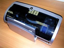 Когда лоток сложен, принтер выглядит компактнее