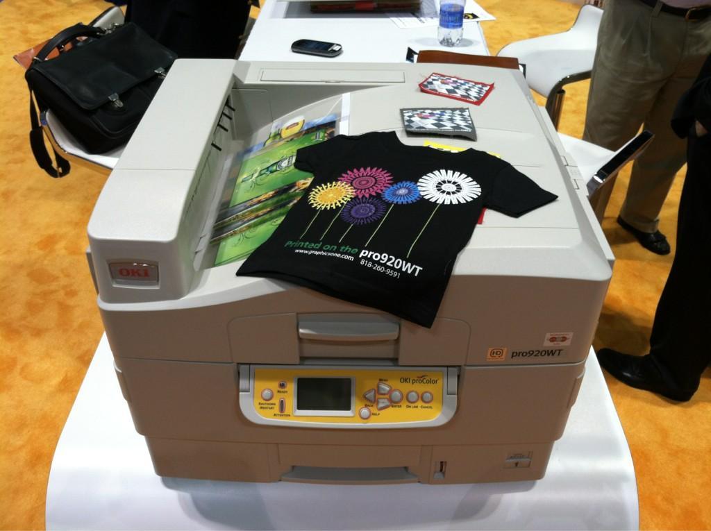 цветной принтер с белым тонером